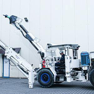 Roof scallng machine